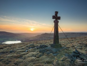 Overlooking Dove Stone Reservoir, Ashway Cross is a memorial to James Platt former MP for Oldham, who was killed in a grouse shooting accident in 1857.