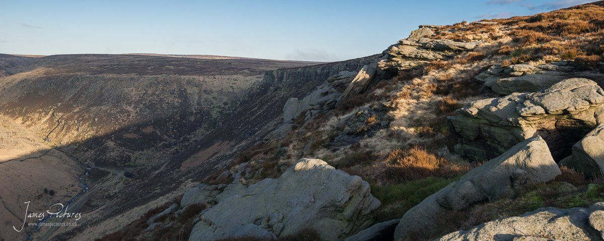 Looking East along the ridge line of Raven Stones Brow on Saddleworth Moor