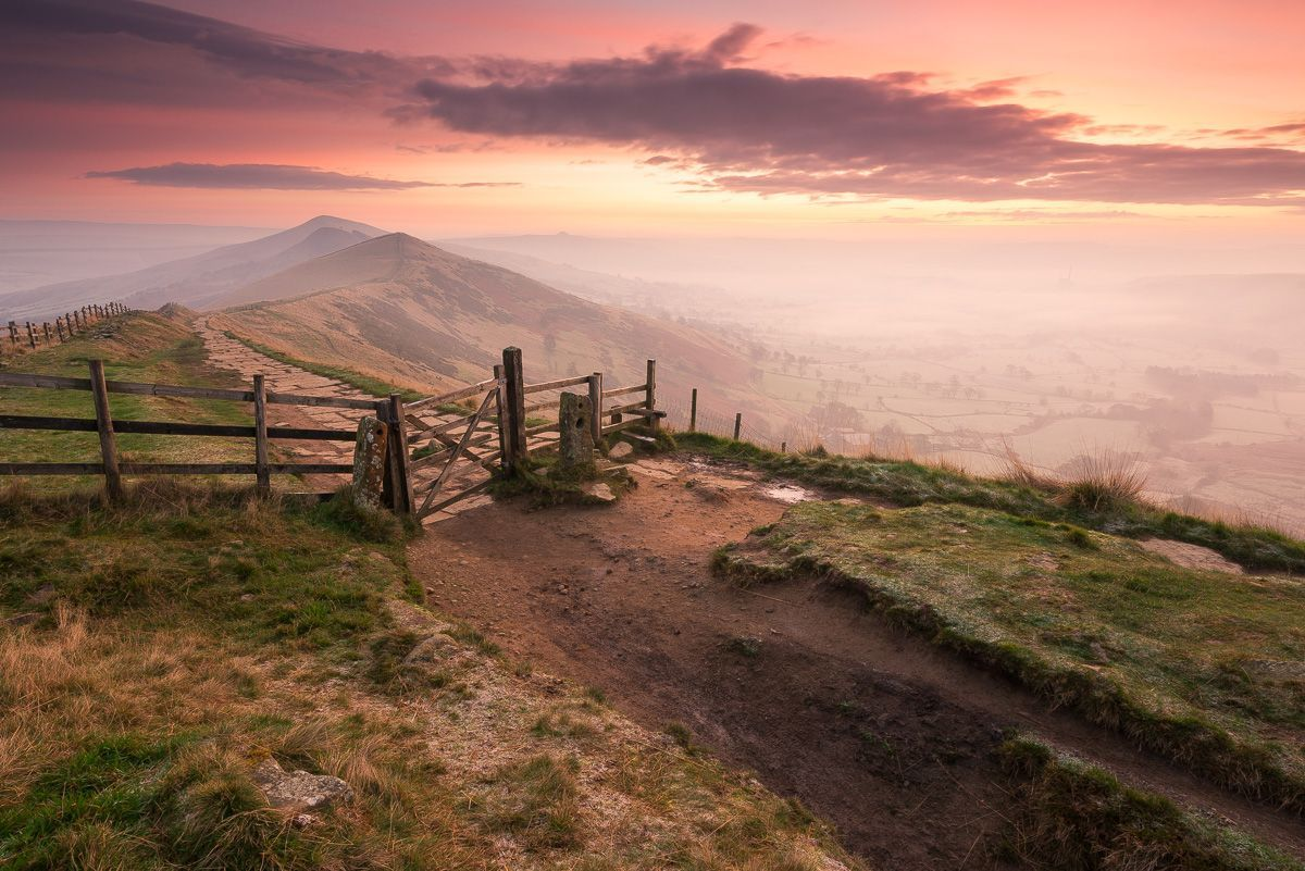 Mam Tor is the number 1 place to photograph in the Peak District