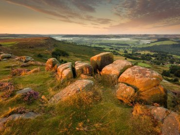 Curbar Edge At Sunrise