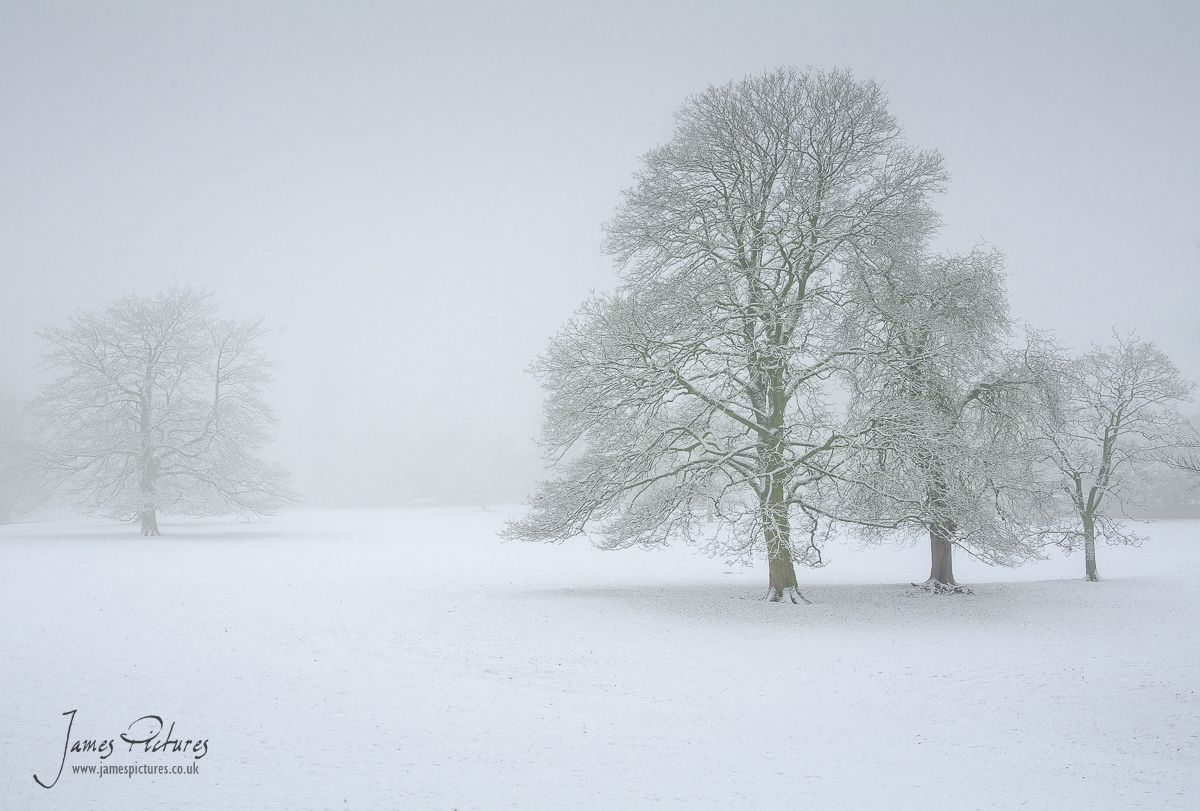 Snow in the Peak District - James Pictures