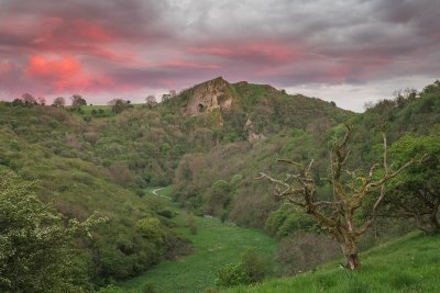 Manifold Valley and Thors Cave