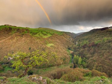 Ravens Tor And Dovedale