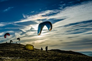 Para Gliders on Mam Tor