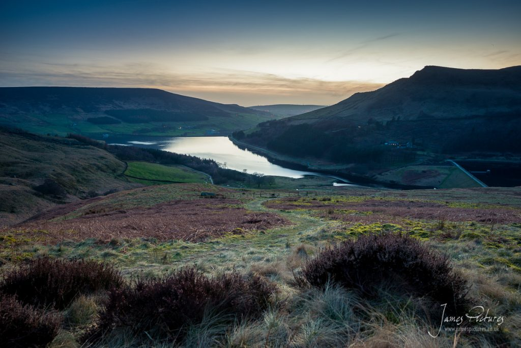 Admiring Dove Stone Reservoir on my way home, I just sat and watched the sun fade, a stunning remote location.